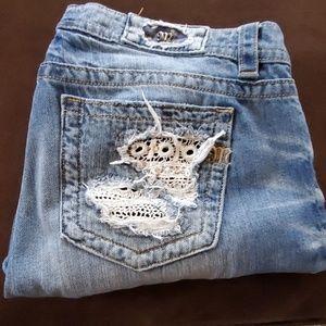 Miss Me boyfriend ankle jeans 31